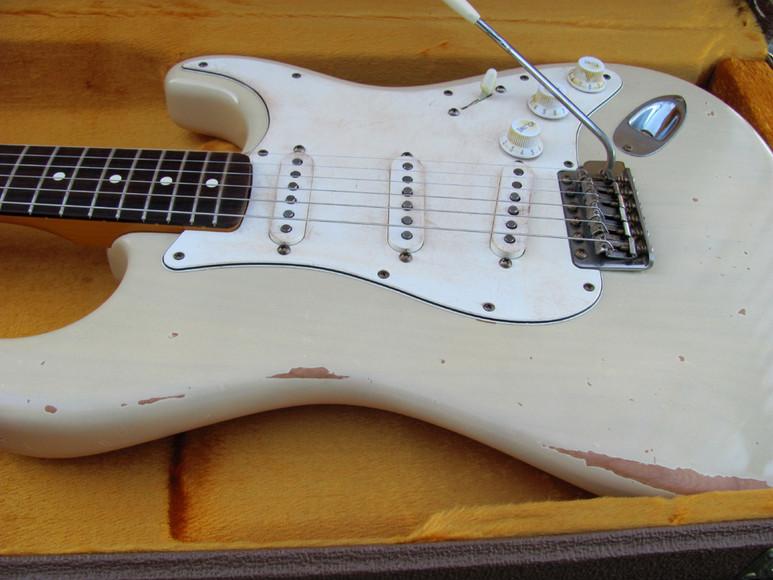 fender strat 39 62 blonde vintage relicguitar relic 39 ing aging aged guitar parts custom. Black Bedroom Furniture Sets. Home Design Ideas