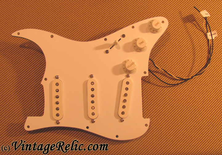 pre wired strat pickguard fender custom shop 54 vintage relicguitar relic 39 ing aging aged. Black Bedroom Furniture Sets. Home Design Ideas